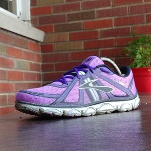 WMNS BROOKS PURE FLOW RUNNING SHOES